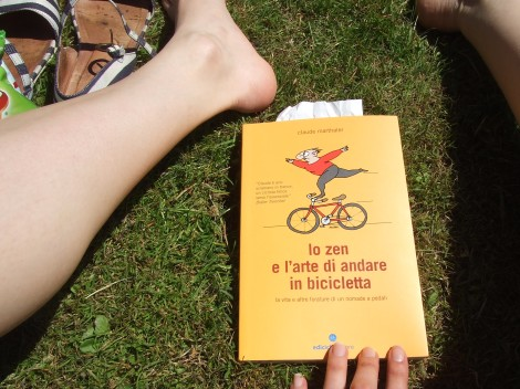 reading in a sunny park... ahhh summer we love you!